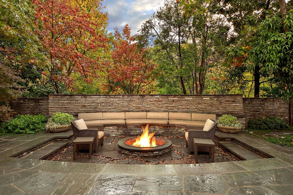 Outdoor Living Space 9