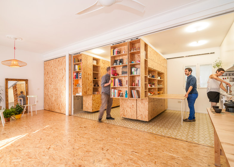 Maison Hand Decoration Small Apartment Uses Movable Shelving To Create Endless