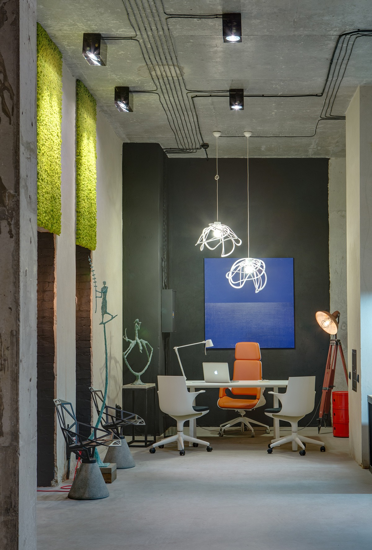 Cool Office Lamp A Modern Office Space That Looks Like An Urban Loft