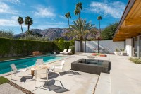 A Mid-Century Desert Oasis in Palm Springs