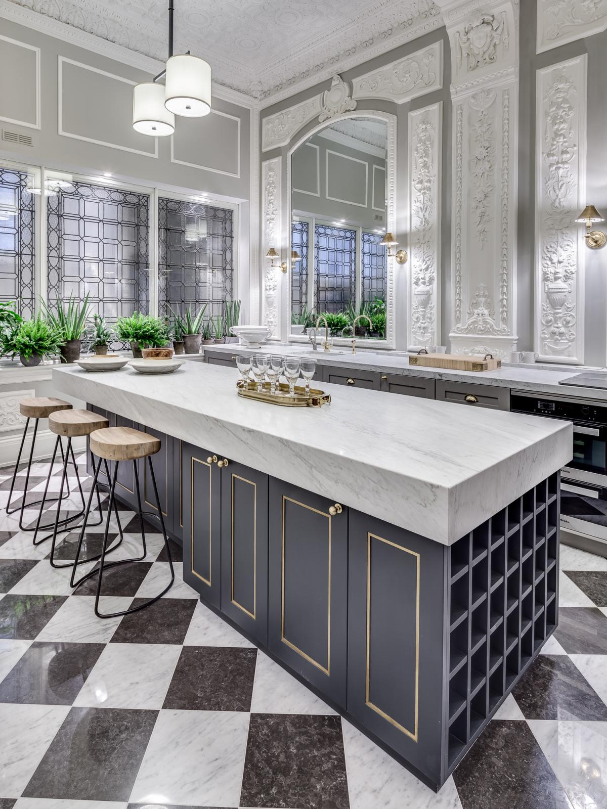 Black And White Marble Floors 36 Marvellous Marble Kitchens That Spell Luxury