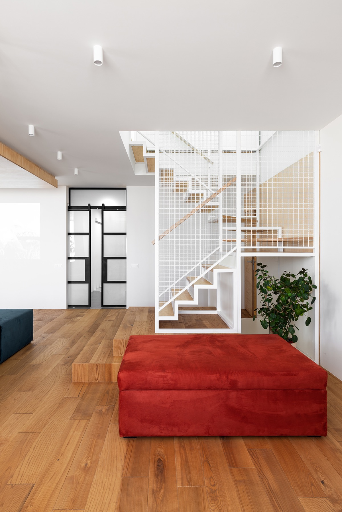 Open Staircase Design Family Home With Interior Space To Run And Play