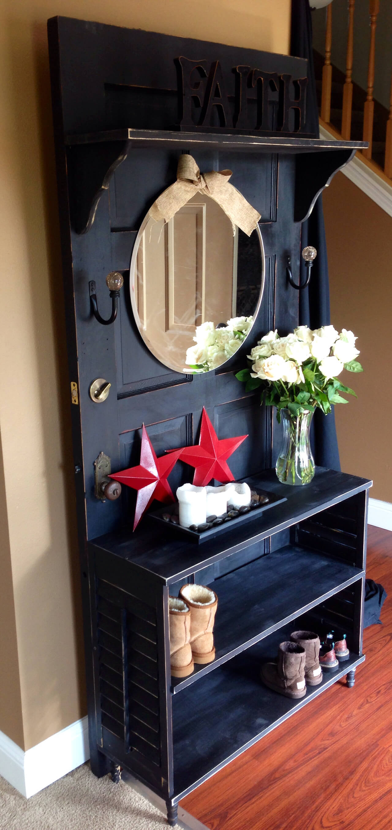 Vintage Garderobe New Takes On Old Doors: 21 Ideas How To Repurpose Old