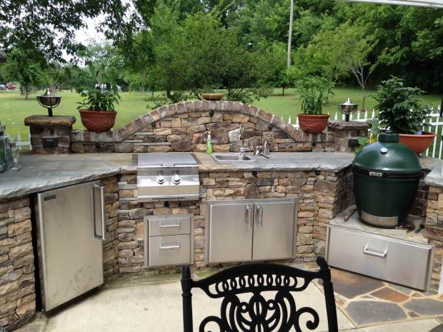 functional and practical outdoor kitchen ideas