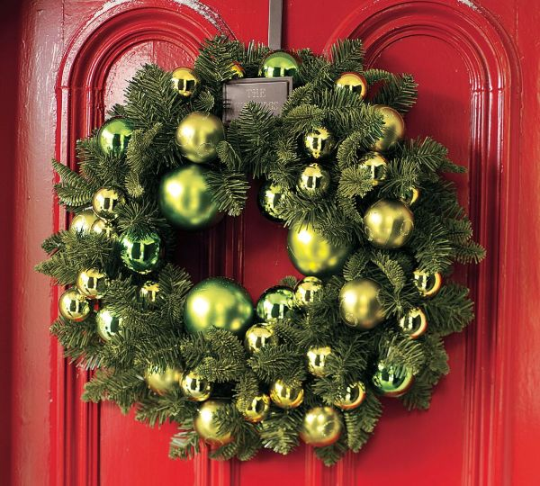15 Christmas Wreath Ideas for 2010 by Potterybarn - christmas wreath decorations