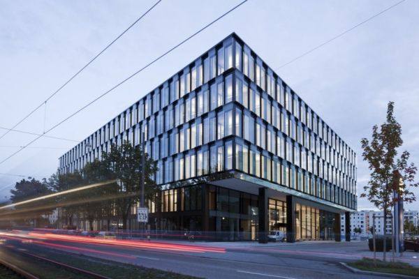 Architekt Landau Clean, Elegant Office Interior By Landau + Kindelbacher