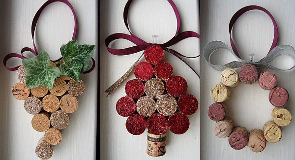 5 ways of turning wine corks into unique Christmas decorations - unique christmas decorations