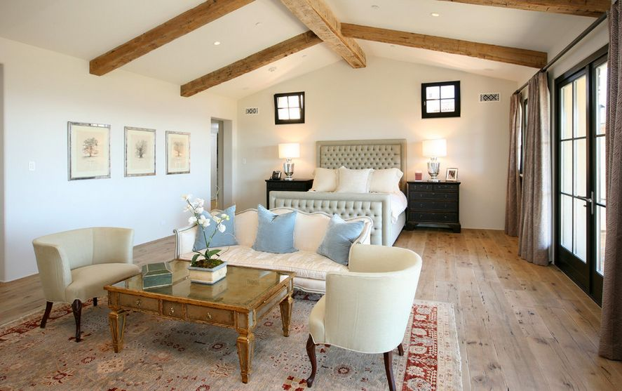 How To Decorate A Long And Narrow Bedroom - how to decorate a long wall in living room