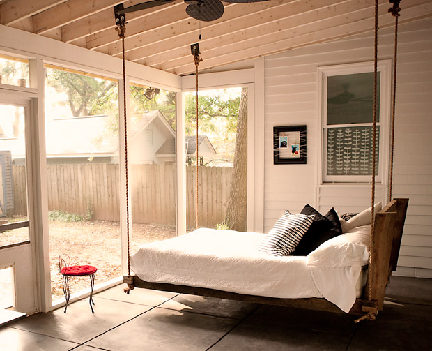 Lit Suspendu Palette Cozy Sleeping Porches For A Perfectly Relaxing Summer