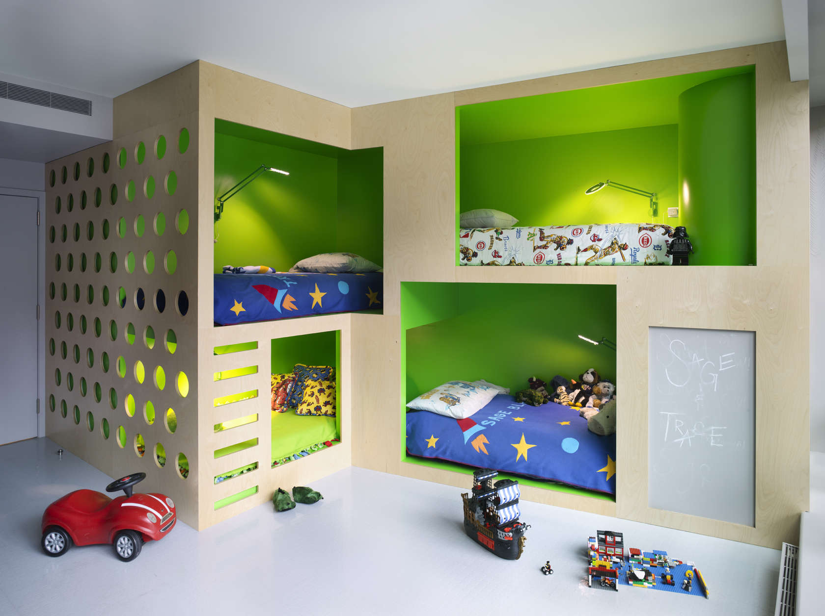 Cool Beds For Boys Saving Space And Staying Stylish With Triple Bunk Beds