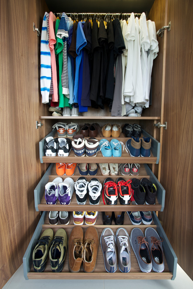 Pax Schuhe Shelves That Slide To Make Storage Fast And Easy