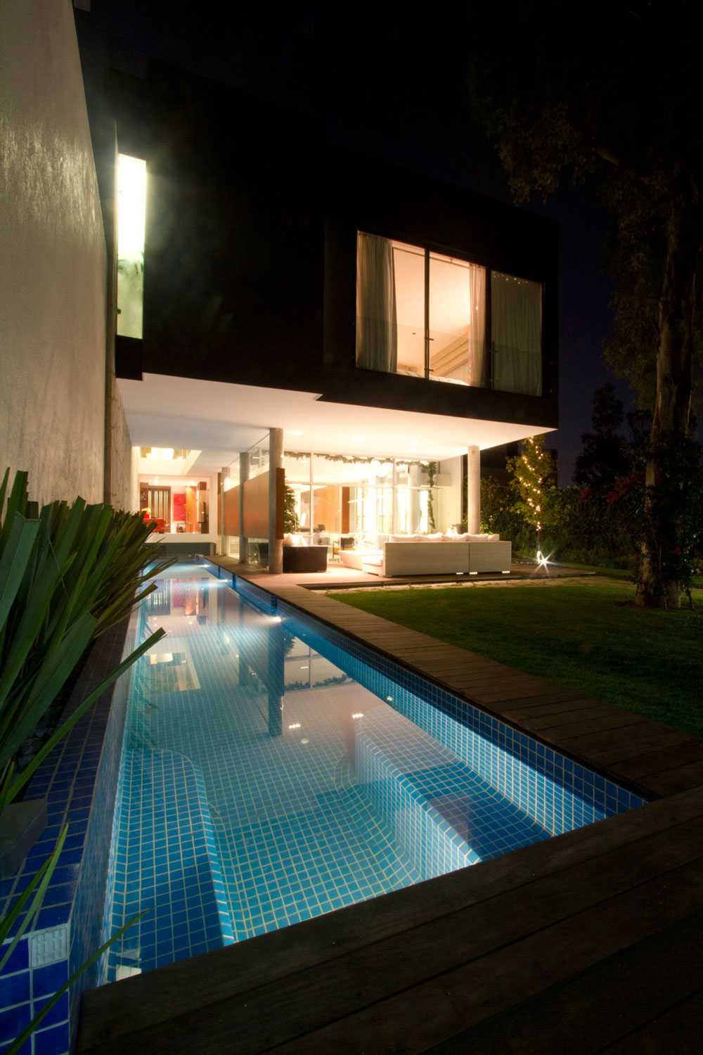 Standing Mirror Frame The Benefits Of Lap Pools And Their Distinctive Designs