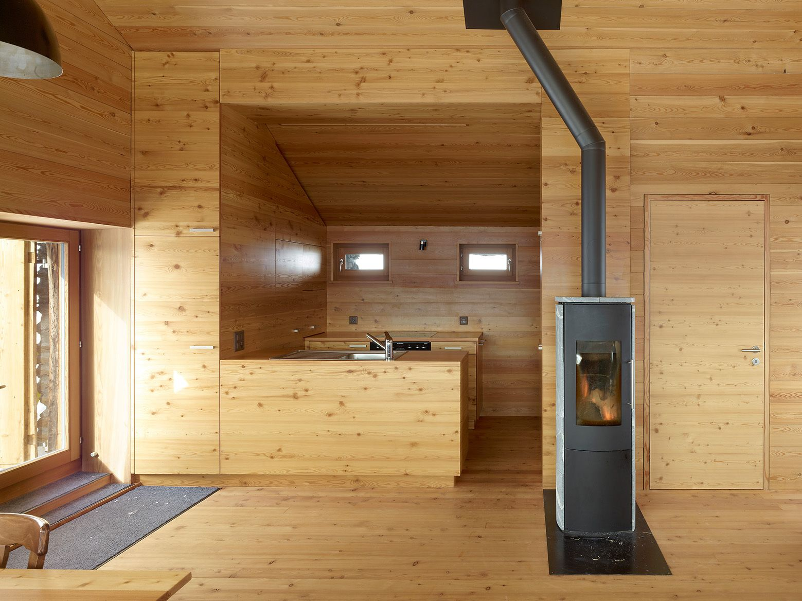 Küche Pino 2015 10 Peaceful Cabin Designs That Immerse Themselves In Nature