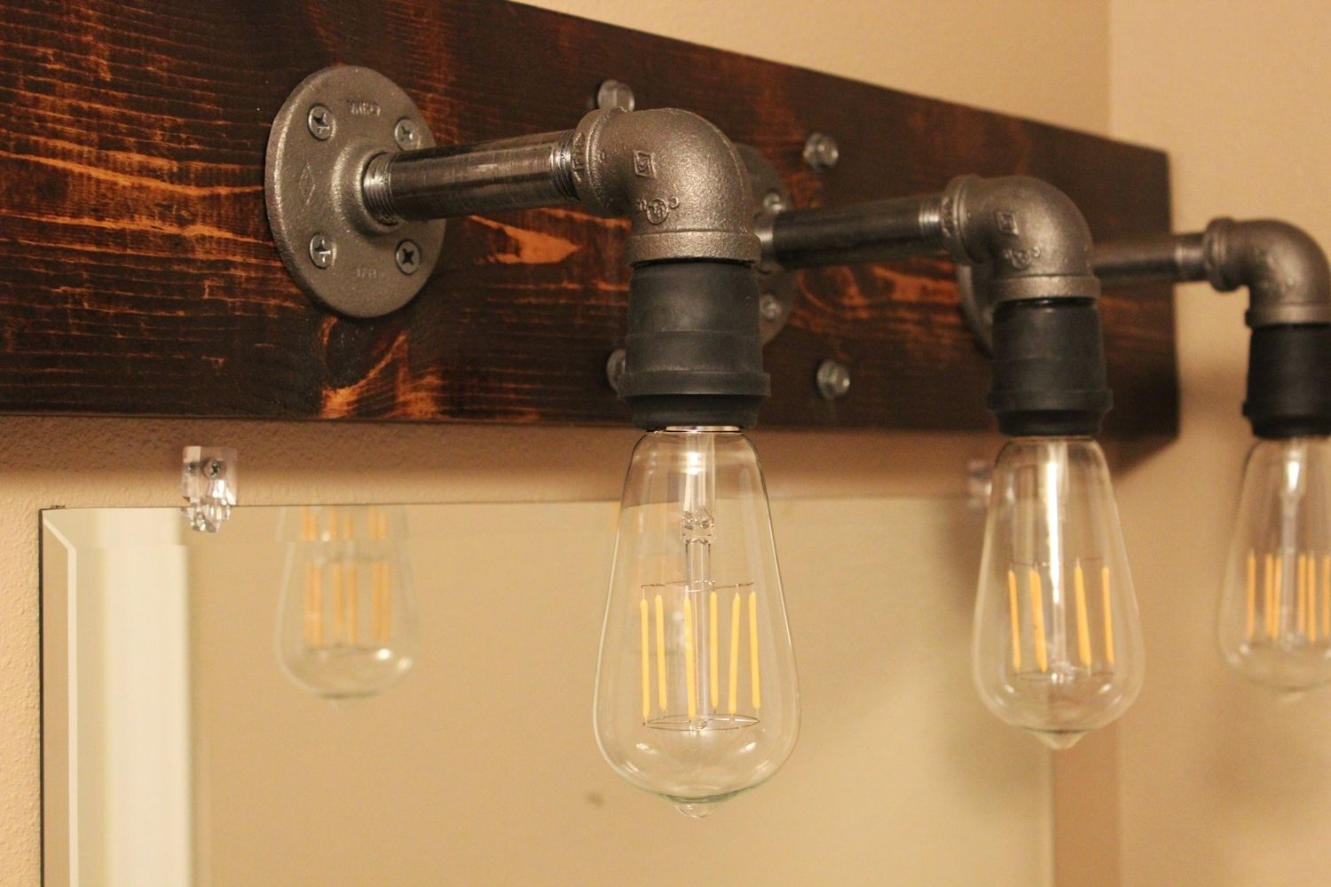 Industrial Looking Light Bulbs Diy Industrial Bathroom Light Fixtures
