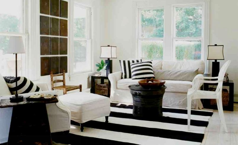 How To Enhance A Decor With A Black And White Striped Rug
