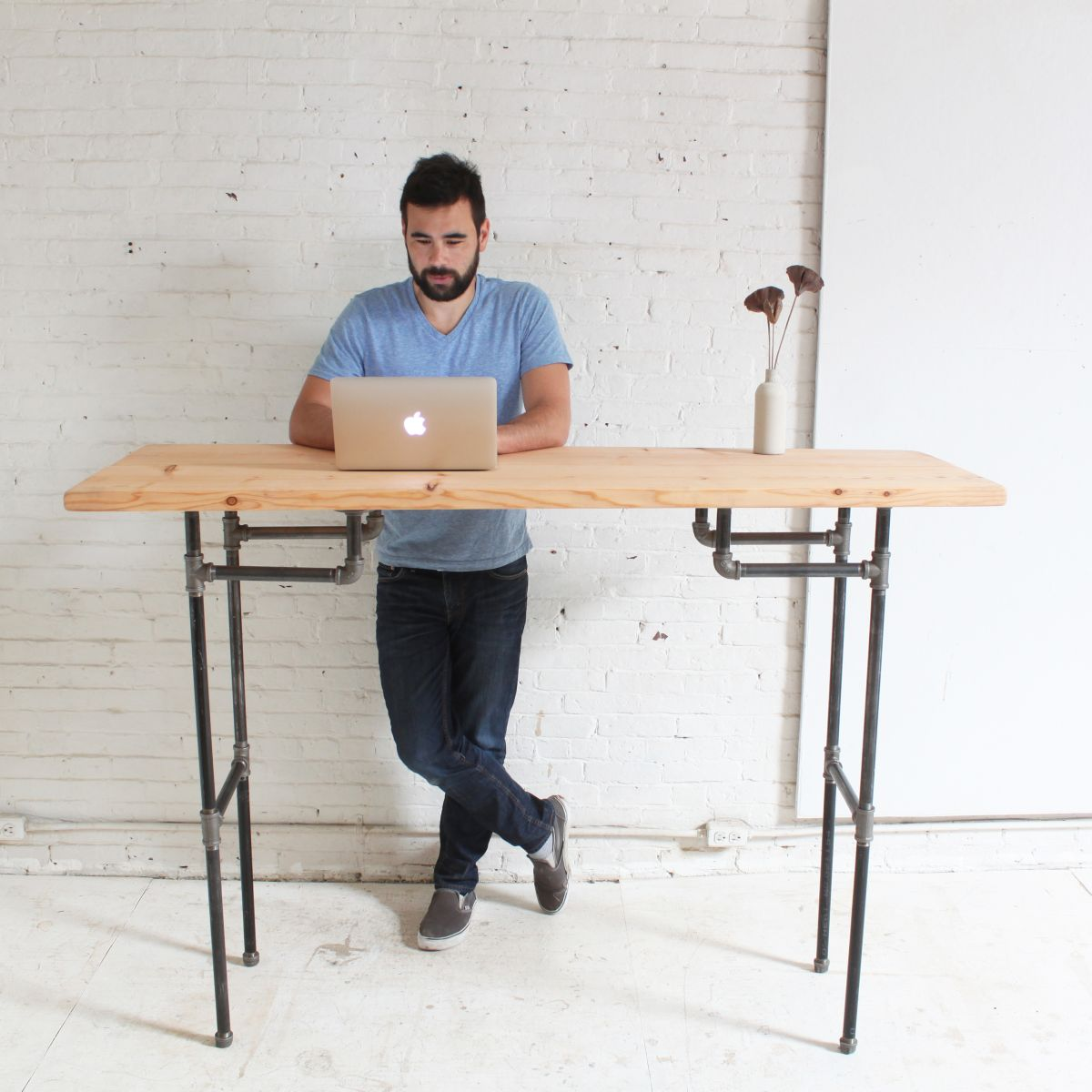Diy Desktop Standing Desk Diy Plumbers Pipe Standing Desk