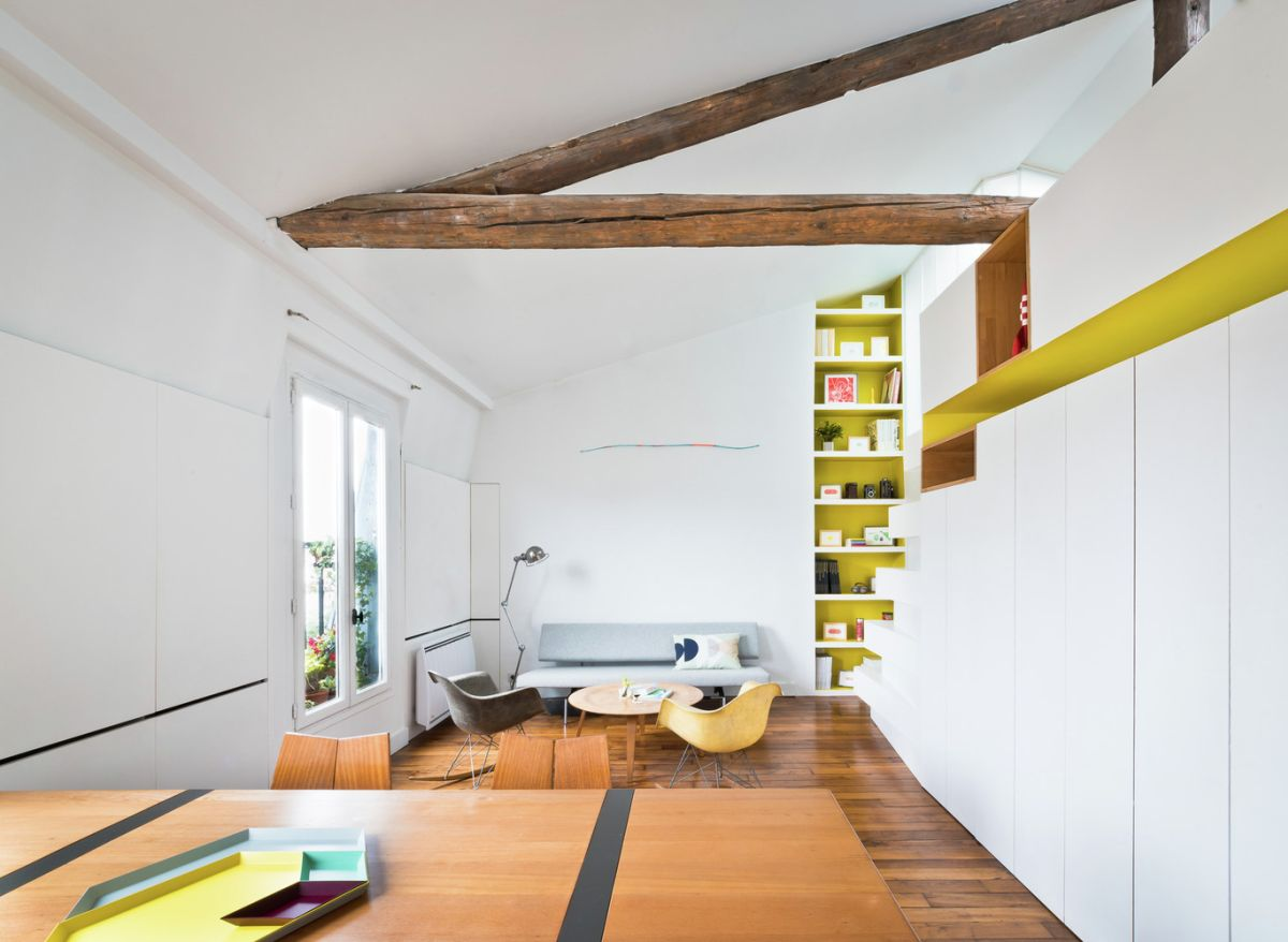 Kleine Wohnung Einrichten Intelligente Wände Paris Apartment Redesigned To Invite The Rainbows In