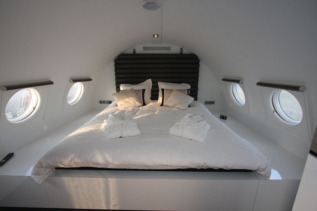 Airplane Bedrooms 12 Luxury Hotels And Resorts With Awesome Bedroom Designs