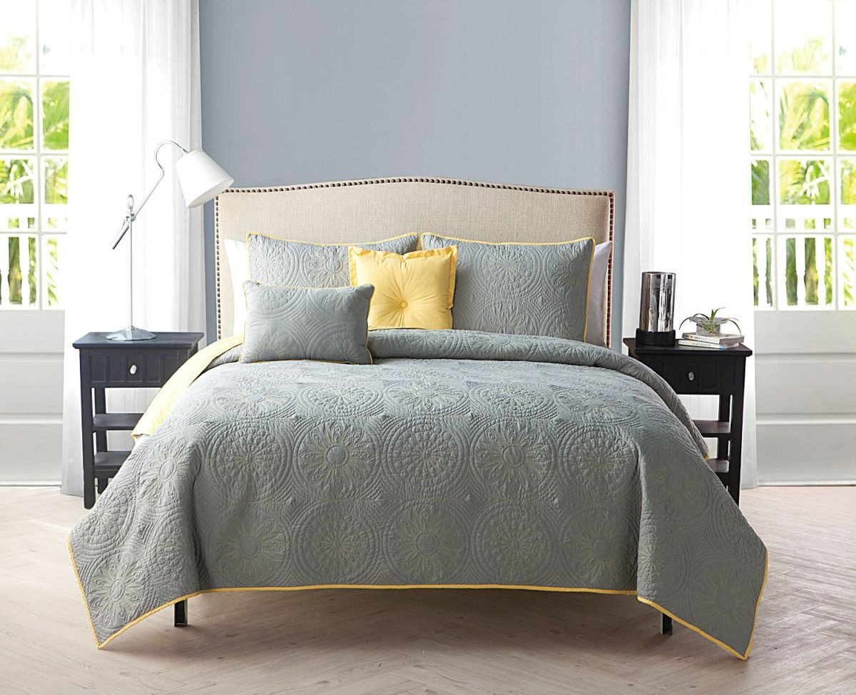Bedroom Grey Yellow Yellow And Gray Bedding That Will Make Your Bedroom Pop