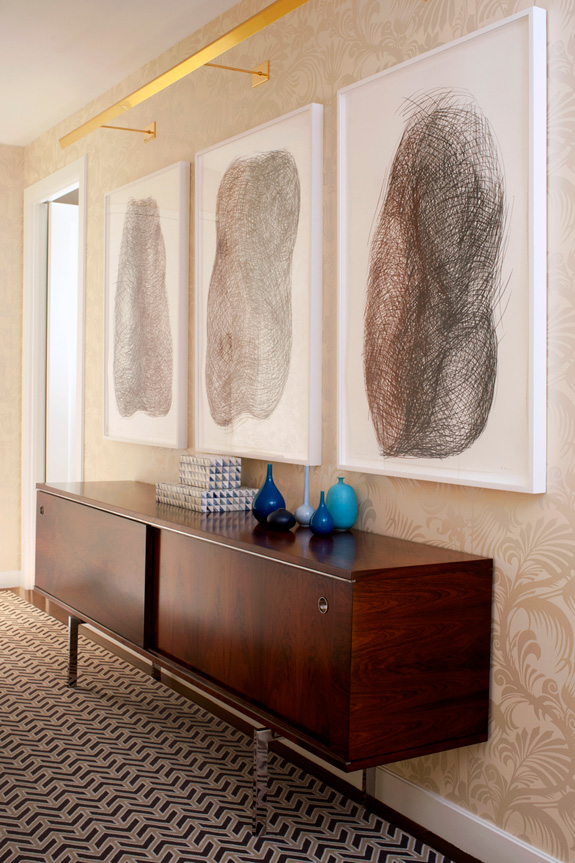 How To Add The Wow Factor Through Modern Wall Art - framed wall art for living room