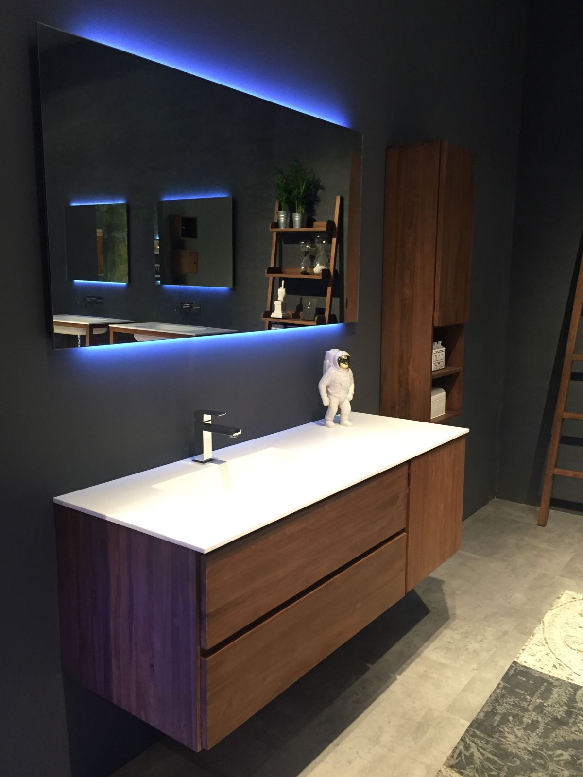 Moderner Schminktisch Stylish Ways To Decorate With Modern Bathroom Vanities