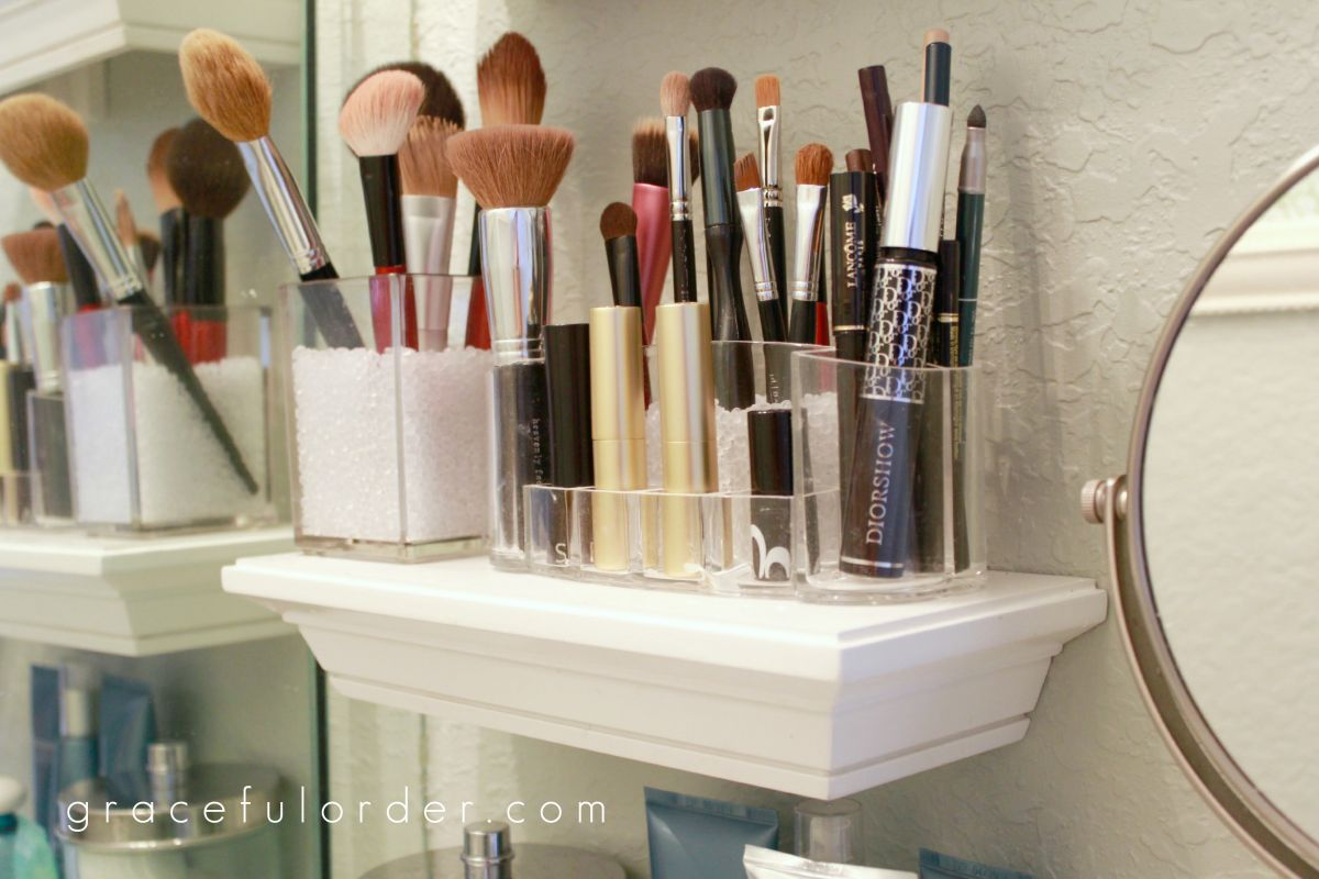 Small shelves in bathroom for makeup brushes storage