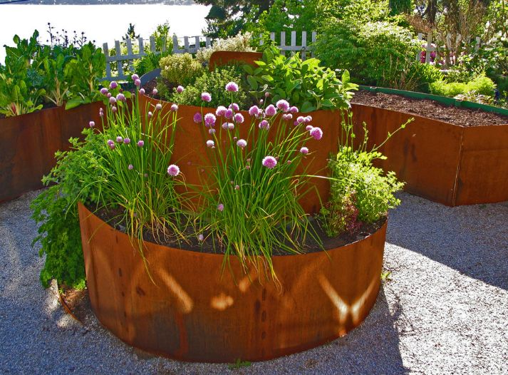 Container Gardening U2013 How Do You Pick Your Planters?   Garden Planter  Designs