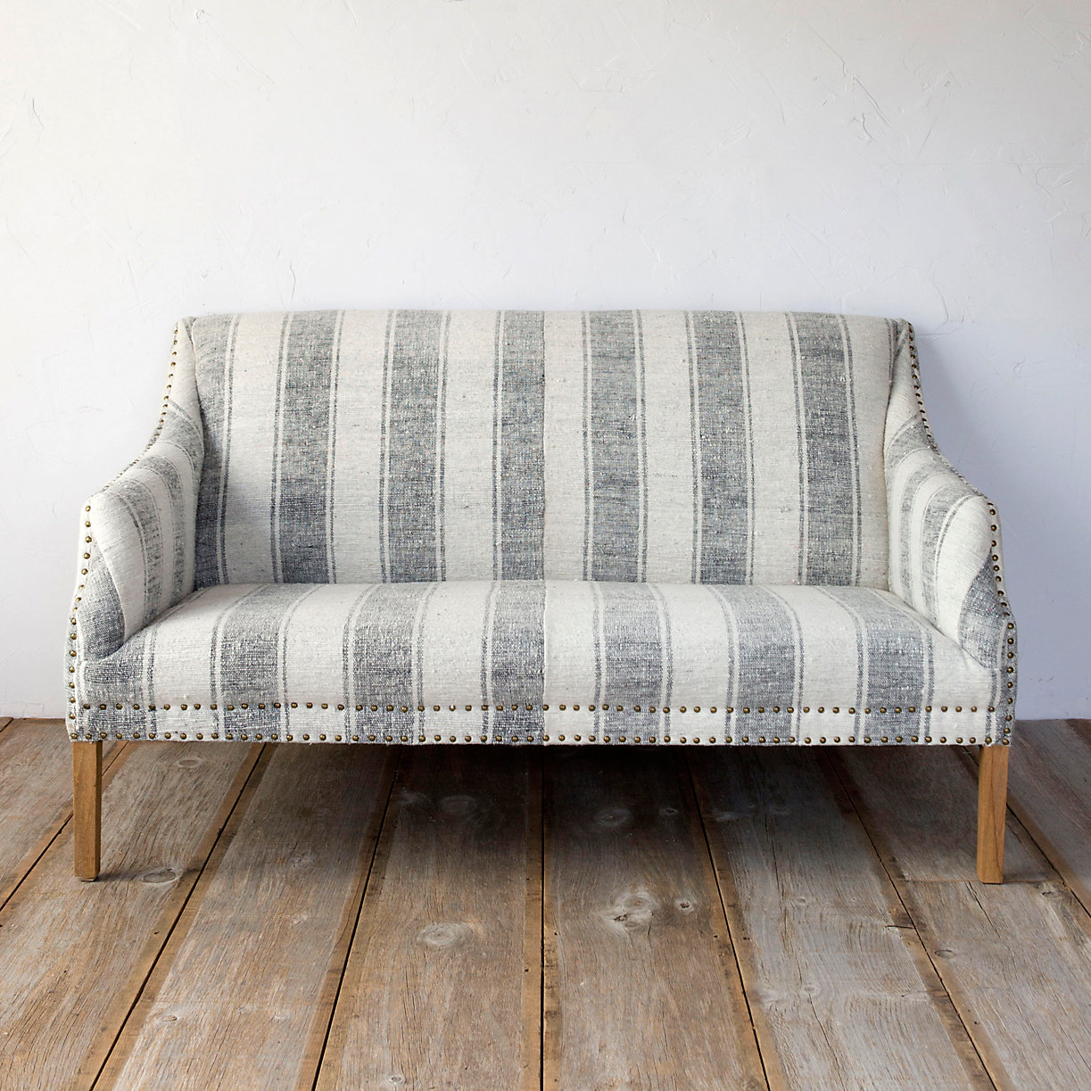 Sofa Shabby Chic Best Furniture For A Shabby Chic Living Room