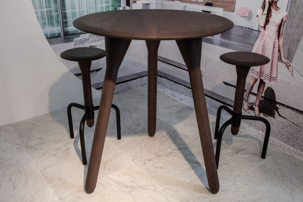 Tall Table How To Select A Tall Kitchen Table That Perfectly