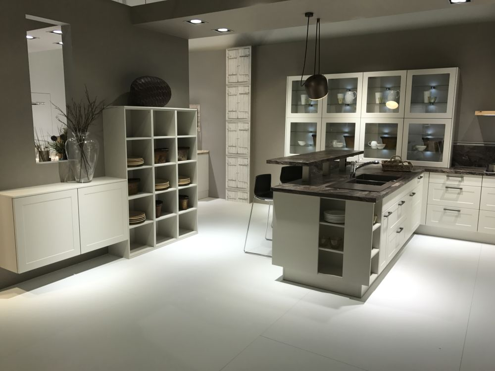 Kitchen Cabinet Lighting Systems Glass Kitchen Cabinet Doors And The Styles That They Work