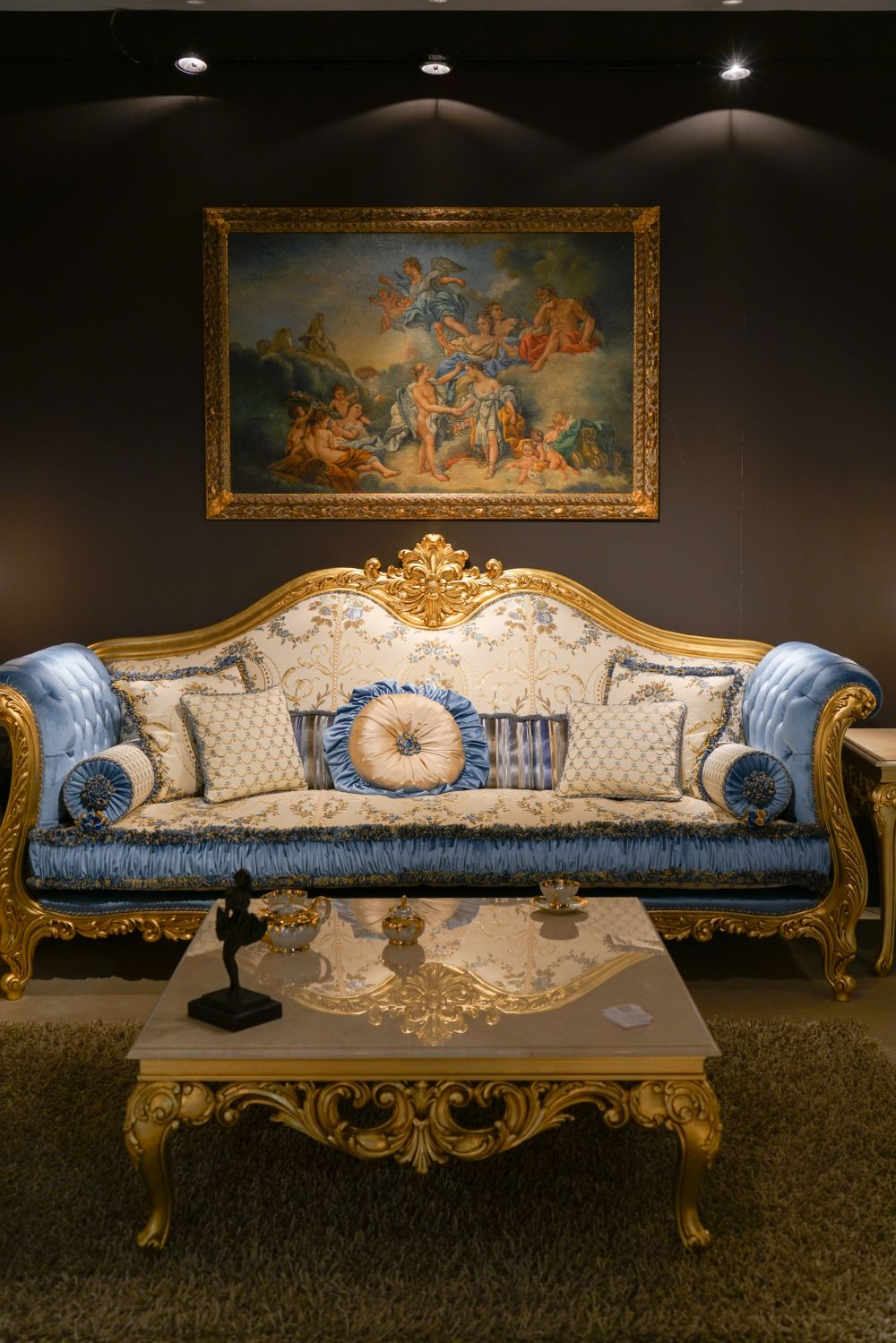 Sofa Upholstery Parts Details Make The Difference In Baroque, Rococo Style Furniture