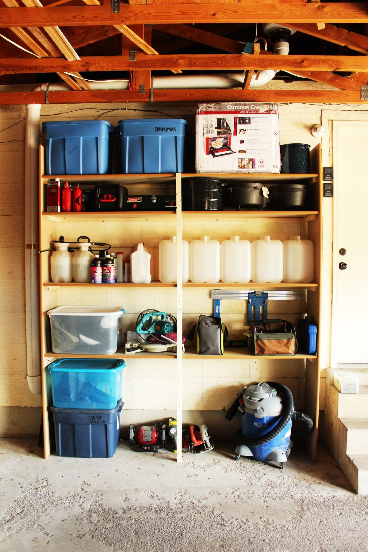 Build Garage Wall Shelves Diy Fast And Easy Built In Wall Garage Shelves
