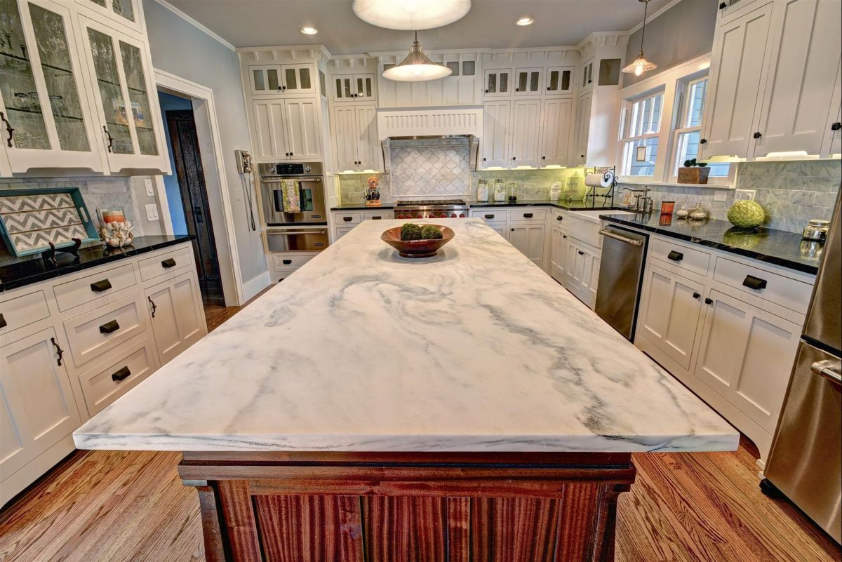 Images Of Granite Countertops In Kitchen Quartz Vs Granite Countertops Pros And Cons
