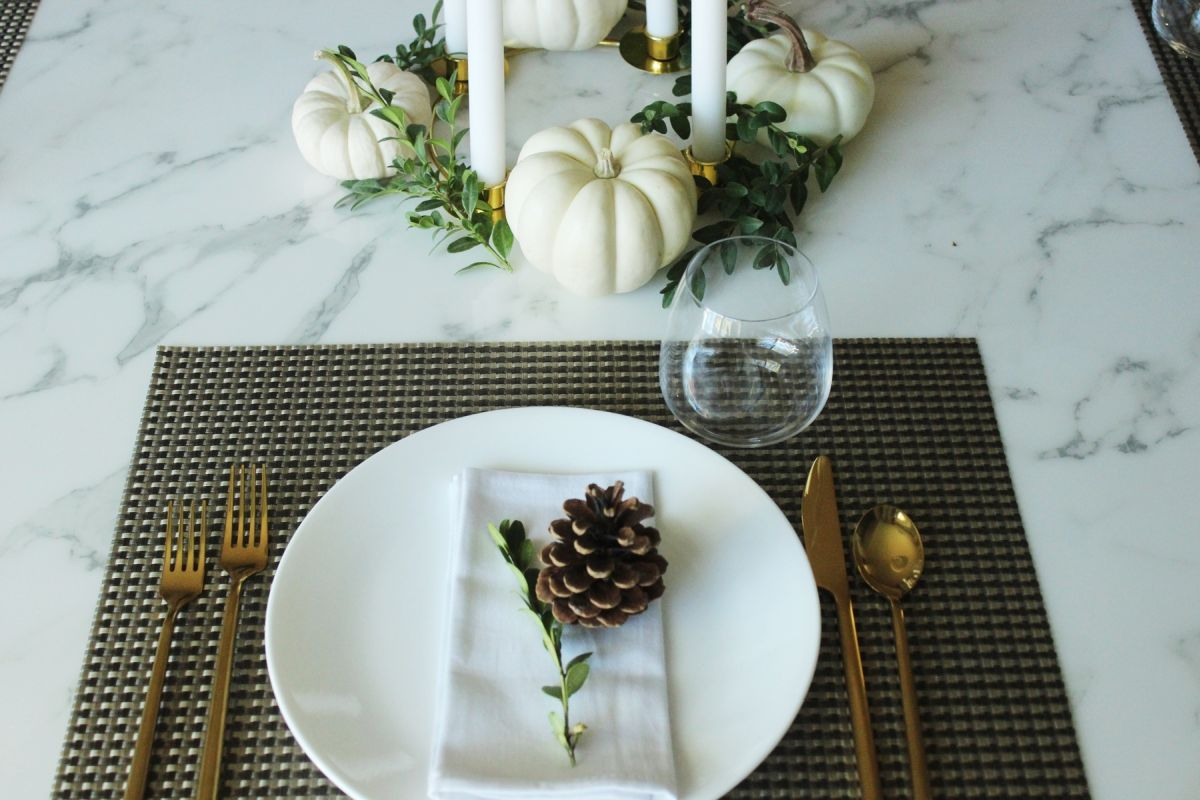 Modern Table Setting 12 Modern Thanksgiving Table Setting Ideas