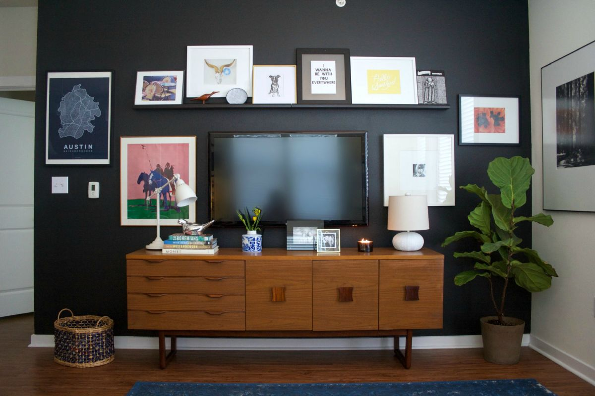 Decorate Wall Around Tv 10 Tips For Decorating Around Your Mounted Tv
