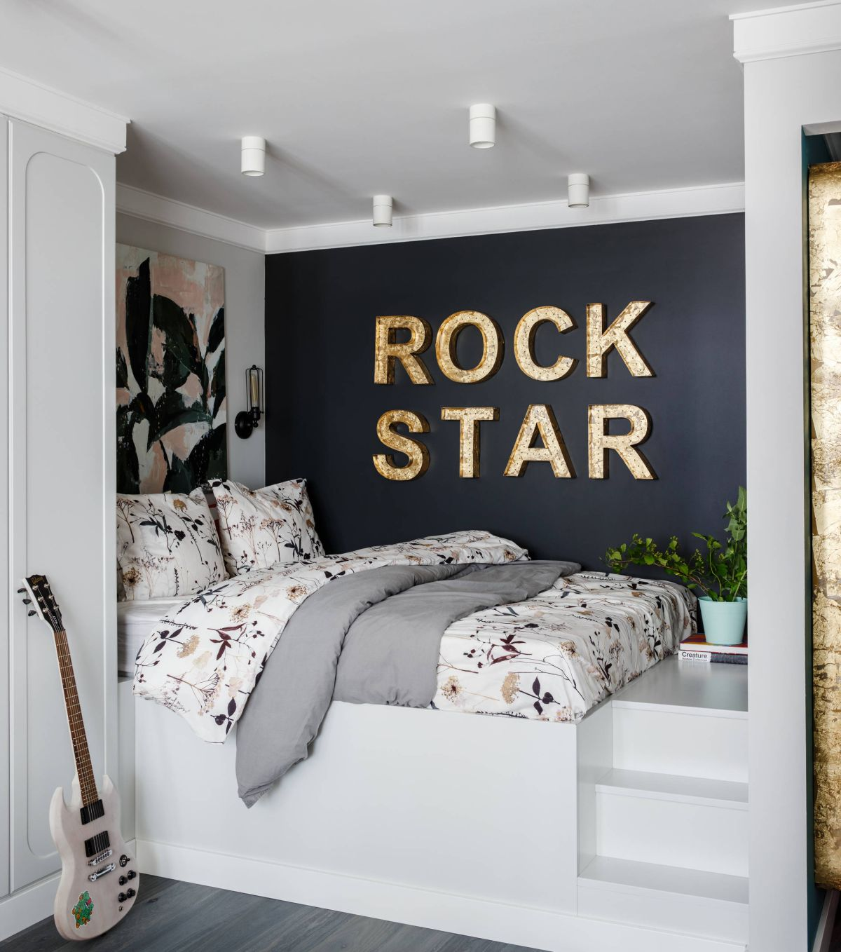 How To Decorate A Small Bedroom For A Teenager How To Decorate A Small Bedroom