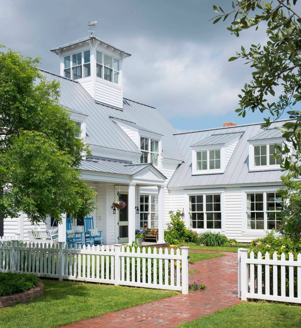 Modern Farmhouse Fence Everything You Need To Know About The Farmhouse Style