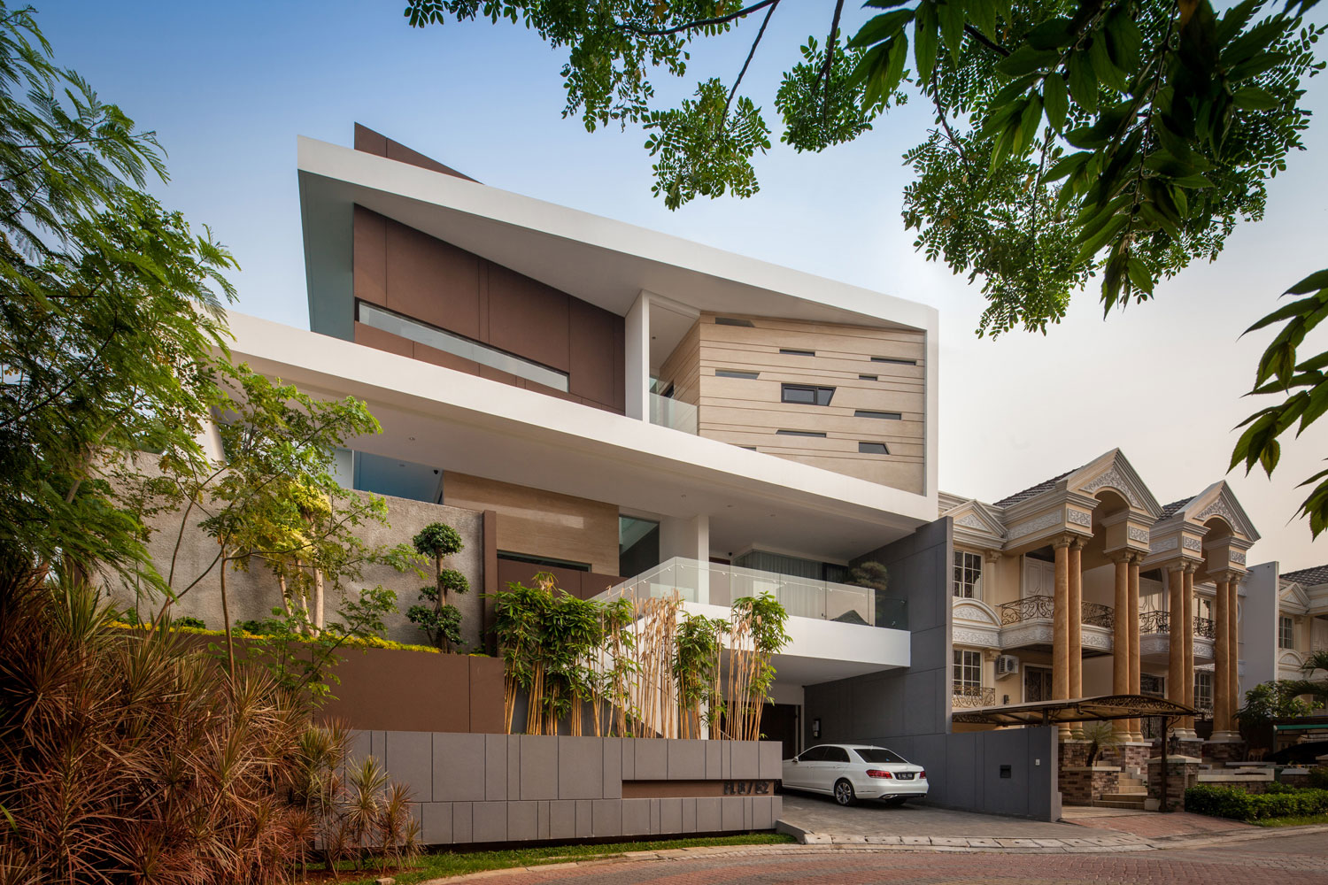 Home Und Design A Contemporary Home In Jakarta Indonesia