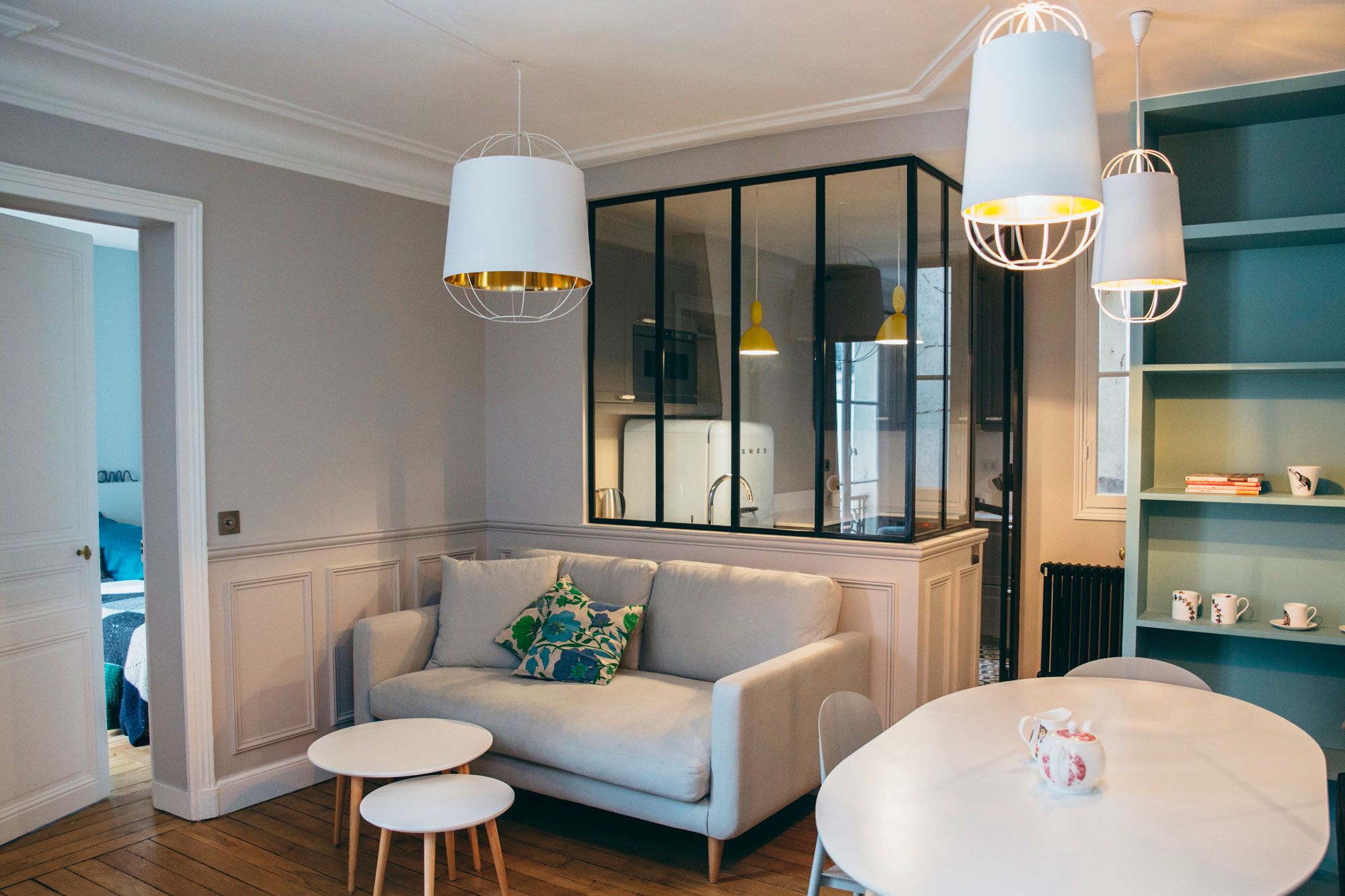 Idee Decoration Institut De Beaute A Home In Paris For A Young Franco-swiss Couple With Two