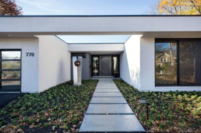 Raugstad Designs a Sleek Contemporary Home in Highland ...