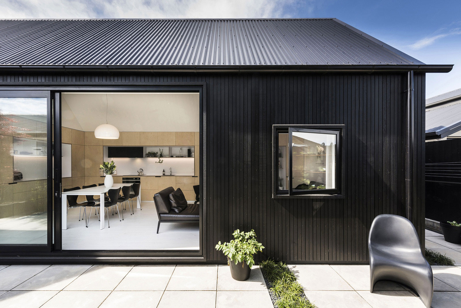 Designing A Small House Small House In New Zealand Designed By Colab Arquitectura