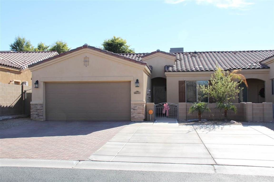 Garage Sale Yuma Az Homes For Sale In The Neighborhood Of Terraces Two At The View In