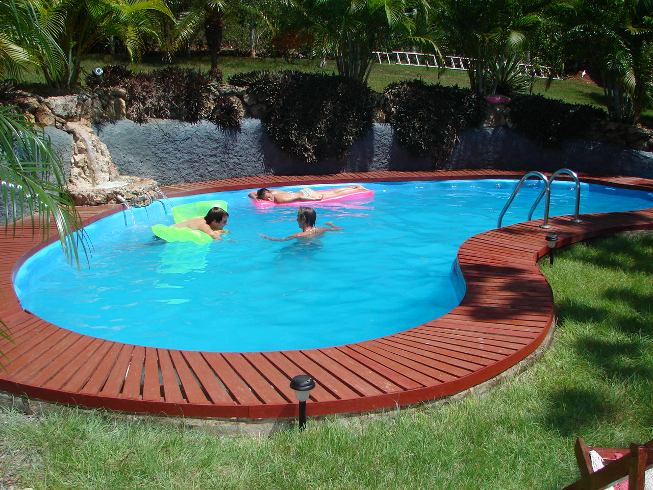 swimming pool landscaping ideas | pool design and pool ideas