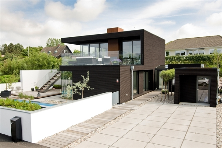 Enduit Facade Marron Nilsson Villa-modern Beach House With Black And White