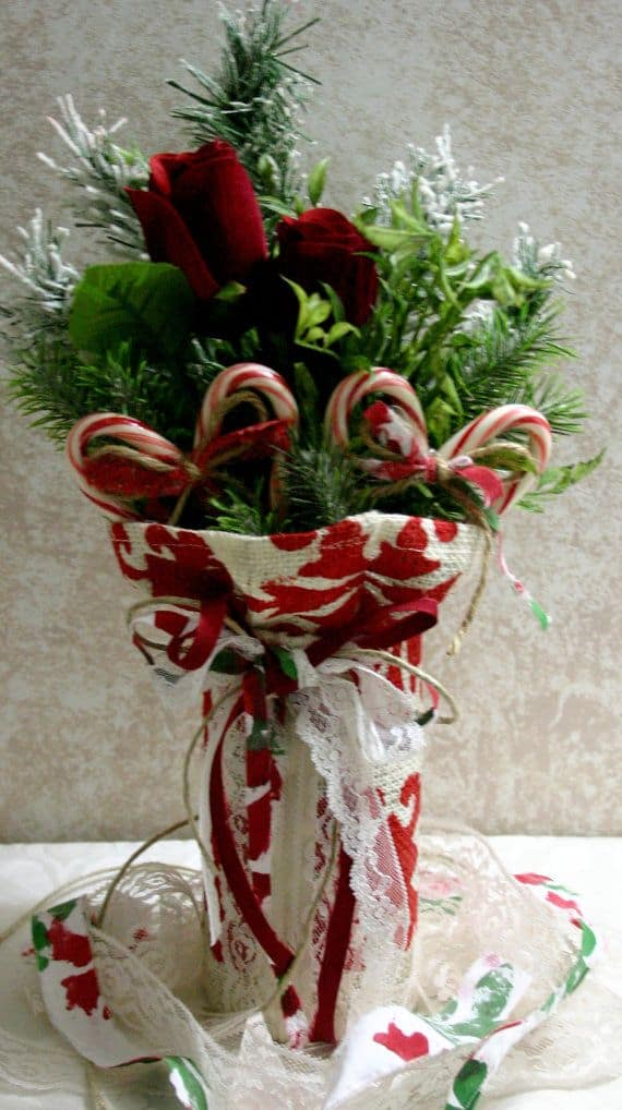 22 Christmas Centerpieces That Will Embellish Your Dining Room - christmas floral decorations