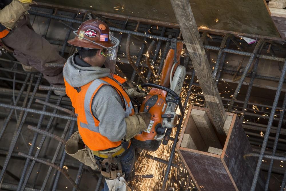 Despite Slowdown, Houston Faces Construction Worker Shortage