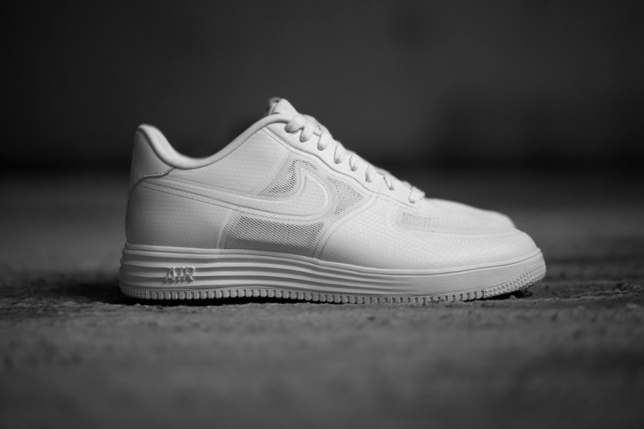 a-closer-look-into-the-nike-lunar-force-1-1.jpg?w=940&