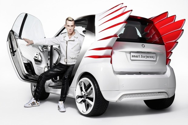 jeremy-scott-designs-smart-fortwo-electr