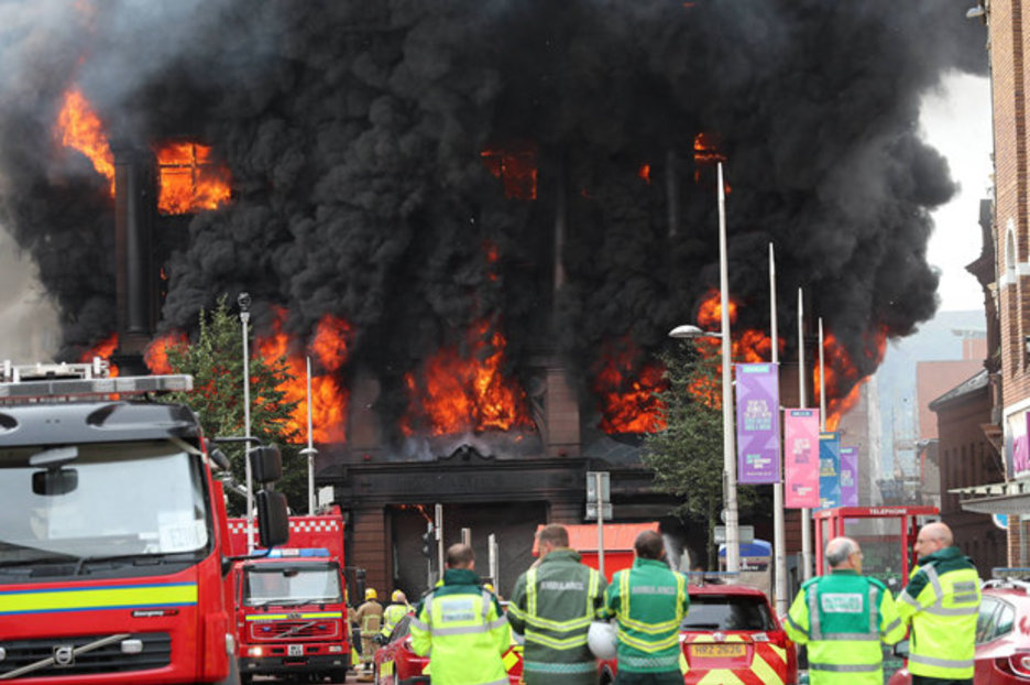 F1 News Bbc Primark Fire: Belfast Inferno Store Is 'collapsing