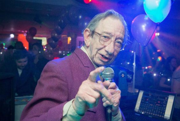 DJ Derek in Bristol